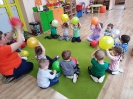 Zabawy  z instrumentami, balonami i masą solną