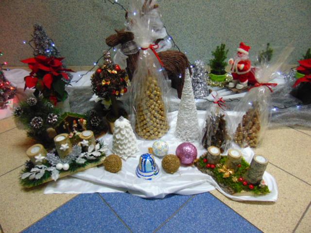 . Zaproszenie na kiermasz ozdób świątecznych